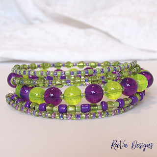 handmade stacked bracelets seed beads glass bead jewelry ideas