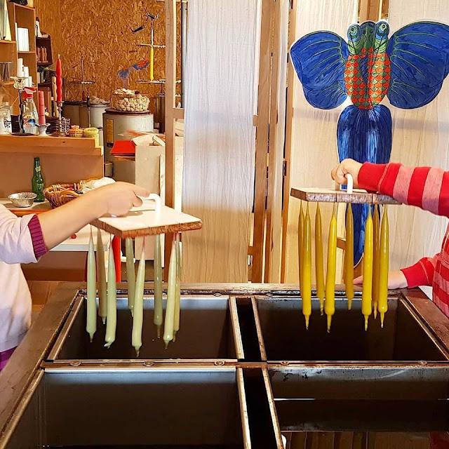 Urlaub auf Fanø mit Kindern: 3 weitere Ausflüge für Familien. Bei Regenwetter: Kerzenziehen im Club Fanö mit Kind + Eltern.