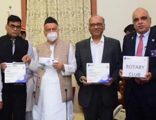 रोटरी क्लब ऑफ मुंबई वेस्टर्न इलाइट व पन्द्रह क्लब अध्यक्ष ने बाँटें तीन लाख मास्क | #NayaSaberaNetwork