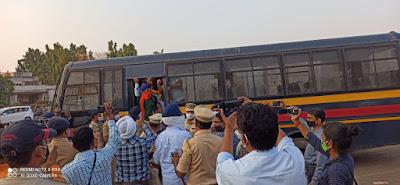 राकेश टिकैतच्या १५ कार्यकर्त्यांना अटक