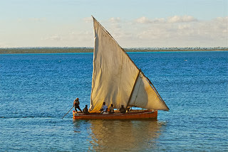 Sailing in Ilha de Moçambique (The Island of Mozambique), Mozambique photo by F H Mira