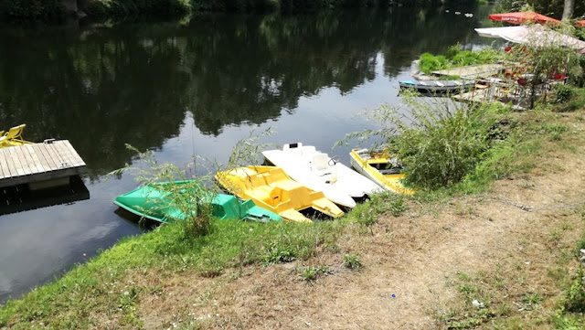Barcos para passeios no Rio Tâmega
