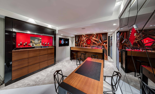 Roger Dubuis opens a new boutique in Monaco