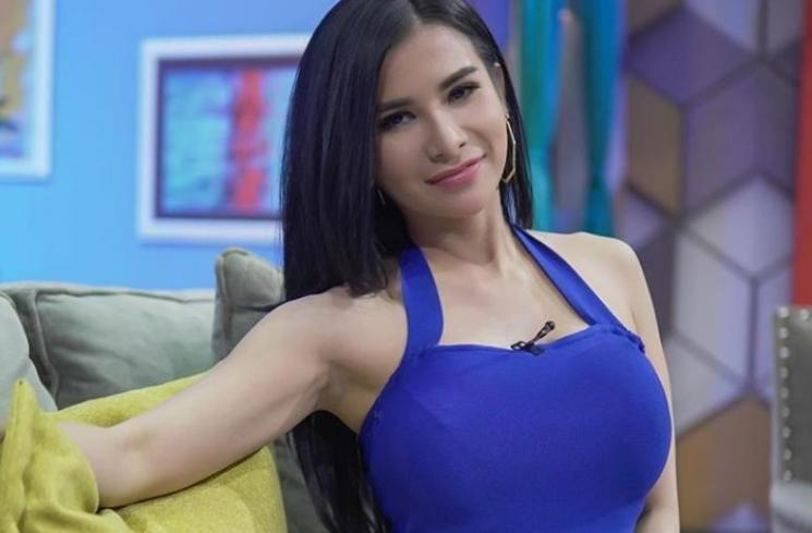 Karier Maria Vania
