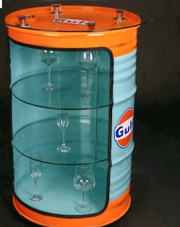 mini bar con tanque de acero reutilizado