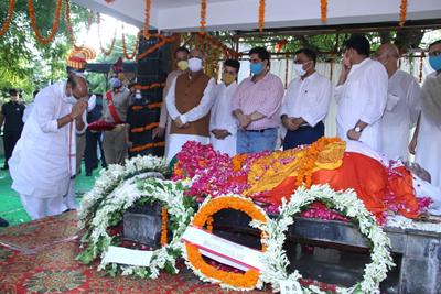 Lalji Tondoan Funeral