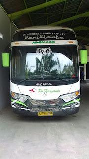 bus jakarta green canyon