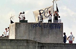 PCC pagava a bandidos para matar agentes públicos, diz PF