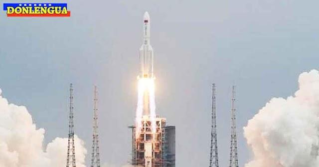 A pocos minutos de la caída del cohete chino en algún lugar del mundo