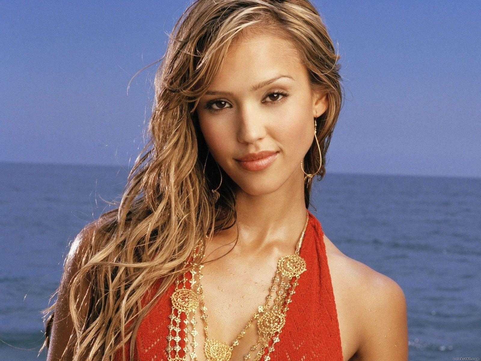 Jessica Alba - Height, Weight, Age, Movies & Family