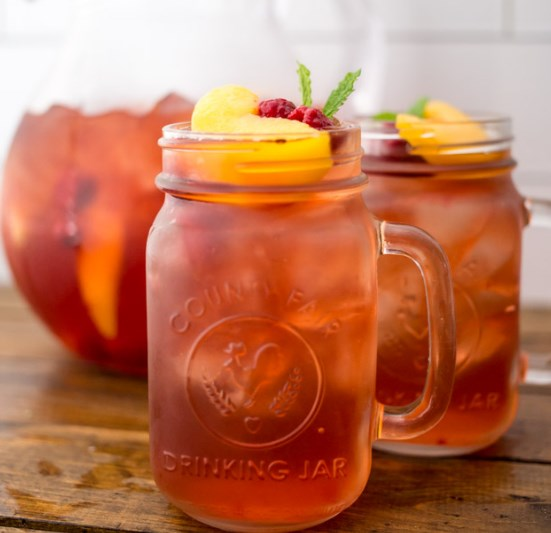 Skinny Sweet Tea Sangria #drinks #cocktails