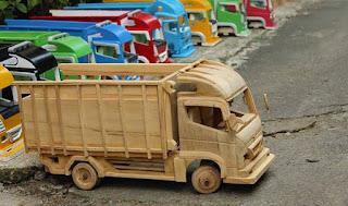 Modal Kreatifitas, Usaha Mainan Anak Dari Kayu Dulang Untung
