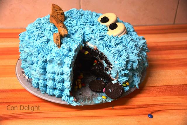 עוגת פיניאטה עוגיפלצת cookie monster pinata cake birthday