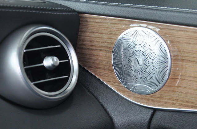 Mercedes C250 Exclusive 2017 sử dụng Âm thanh vòm Brumerster 13 loa
