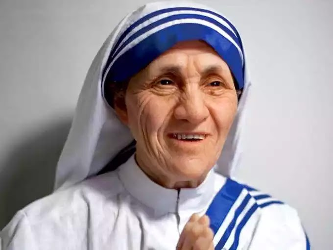 Essay on Mother Teresa in Hindi -  (biography)
