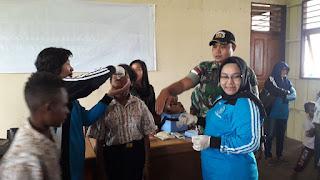 Peduli Masa Depan Anak Perbatasan, Satgas Yonif 725 Bantu Penyuluhan Kesehatan dan Imunisasi Polio