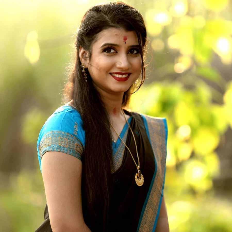 DiptiRekha Padhi Odia Singer Height, Weight, Age, Wallpaper, Family, Biography & Wiki