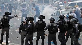 رام الله، اشتباكات بين شباب فلسطينيين وعساكر صهاينة ـ فيديو