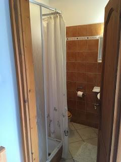 Pensjonat Krisztina Vendégház, Eger, pokój 3 osobowy, łazienka