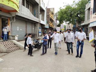 विधायक ग्रेवाल उतरे सड़को पर, जनता से की मास्क लगाने की अपील, मास्क का किया वितरण