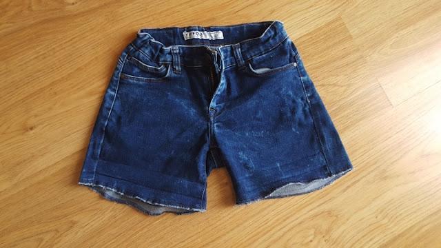 Embellished shorts with vintage trim