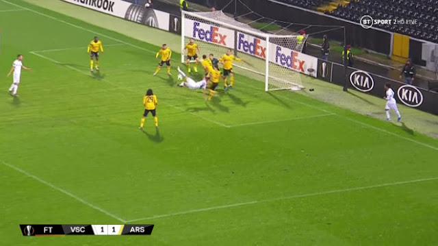 Arsenal phòng thủ siêu tệ: 8 hậu vệ không cản nổi 2 tiền đạo, Emery nói sốc