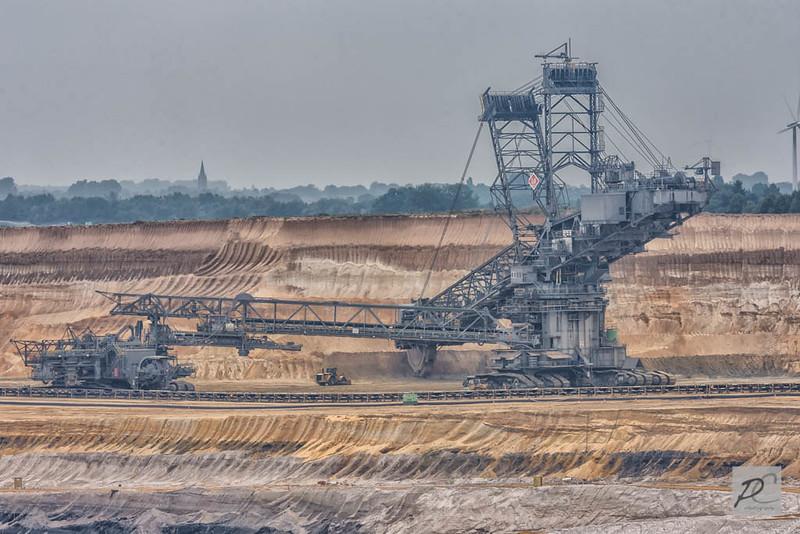 world largest excavators