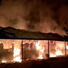 Kampus Tekhnik Unanda Terbakar