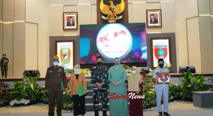 Pangdam Bersama Ketua Persit, Hadiri Acara Syukuran Puncak Perayaan HUT ke-64 Kodam Hasanuddin di Gelar Sederhana