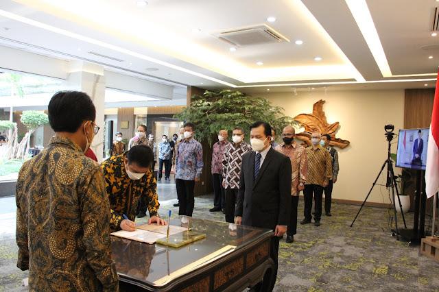 Rudi Menghadiri Pelantikan Enoh Suharto Pranoto Sebagai Anggota Bidang Kebijakan Strategis BP Batam