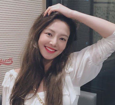 SNSD Hyoyeon at Lee Joon Young Street