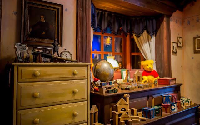 Space Room Fantasyland Hotel