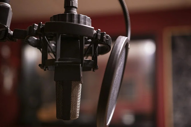 7 Essential Equipment You Need to Start Your Podcast Today
