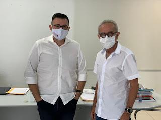 Raniery Paulino se reúne com Cícero Lucena e apresenta pleitos para o setor produtivo e para as famílias em vulnerabilidade social