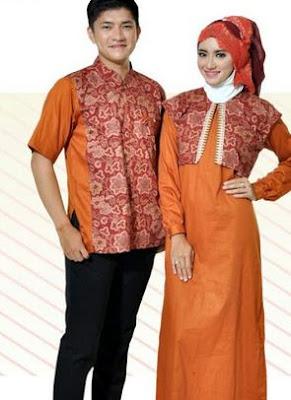 Busana muslim kombinasi batik wanita modern