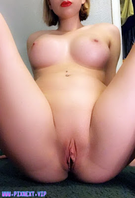 New Only Hot Beautiful Pussy Explicit Erotica Teen Top Nude Cameltoe Exposed Pic & Gif