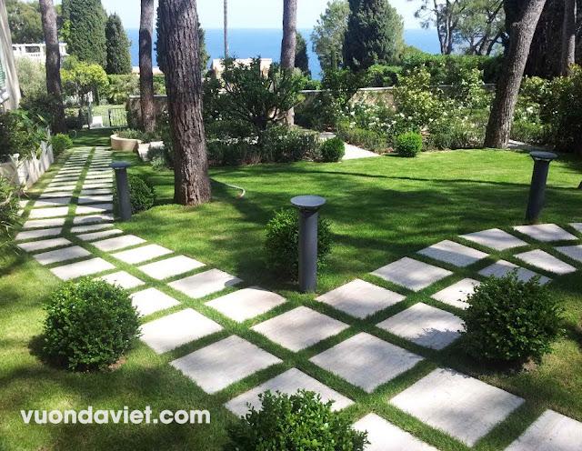 Đá tự nhiên lát nền sân vườn