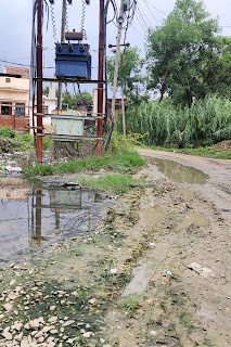 #JaunpurLive : ढाई वर्ष बीतने के बाद भी नहीं हो सका सड़क मार्ग का निर्माण