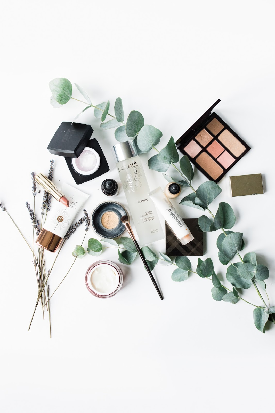 Barely-there-beauty-blog-flatlay-photography-favourites