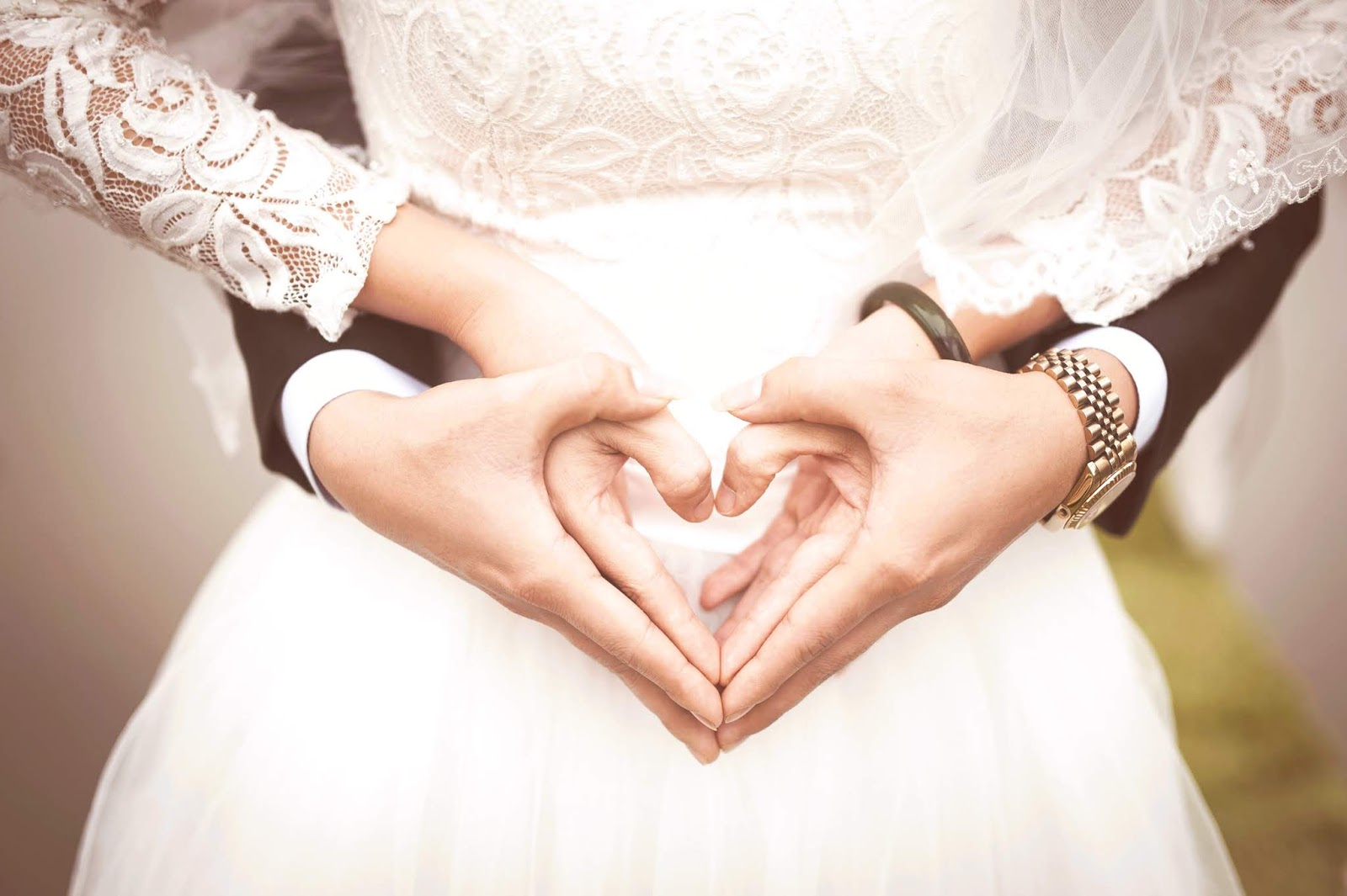 How to not let social media get in the way of your wedding