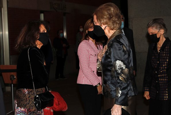 Queen Sofia attended a concert for the benefit of Madrid Musical Youth. Queen Sofía was accompanied by Princess Irene of Greece