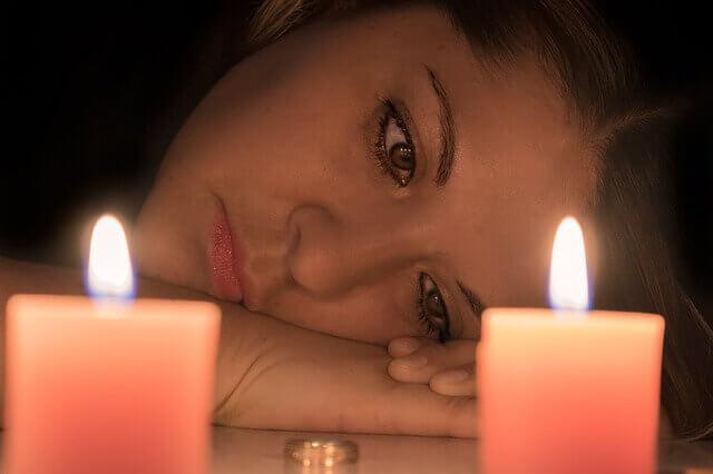 كيف أتصرف  حبيبي مع فتاة أخرى و أنا؟    تقوال فتاة :, حبيبي الخائن دمر حياتي وتركني من أجل أخرى.. ماذا أفعل؟   و أضافت :,تركني من اجل فتاة اخرى مع انني احببته كثيرا؟   ولم يكتفي بالخيانة : ,ماذا افعل حبيبي خطب فتاة غيري؟    و لكن , ما هي العلامات على أنّ حبيبكِ يخونكِ ؟    هل من , علامة أكيدة على أنّ حبيبك السابق اشتاق لكِ؟    ما هي العلامات التي تشير أن حبيبك يحاول الرجوع مرة أخرى ؟    هل أسمح صديقتي سرقت مني حبيبي.. كيف أتصرف؟     ما هي النصيحة لفتاة تحب شاباً تركها وتزوج من غيرها؟    كيف اجعل حبيبي الذي تركني يندم؟