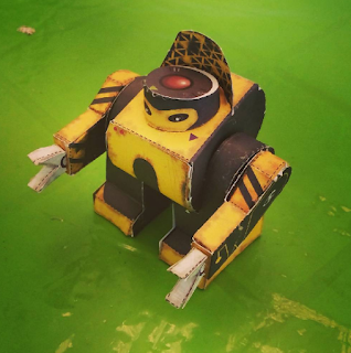 Robots de papel de Nick Knitte - Modelo Swotbot de Zubak