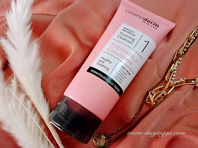 COSMODERM PERFECT BALANCED FOAMING CLEANSER