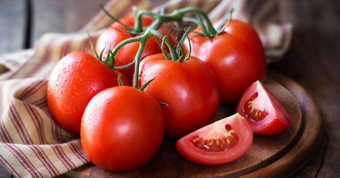 Tips/Petua : Kulit Licin Dengan Sebiji Tomato