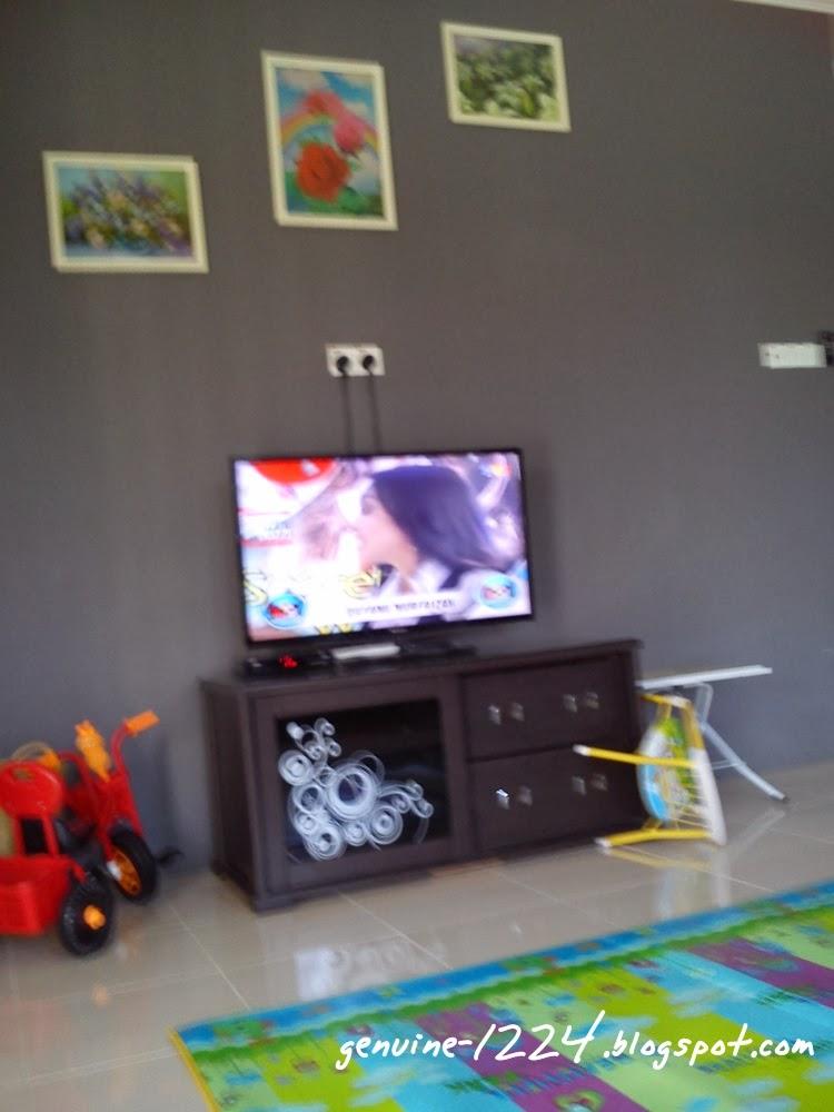 Gambar Lama Awal Tahun Kut Masa Memula Pindah Pakai Je Dulu Kabinet Tv Comey Tu Beli Duk Umah Sewa Cat Dinding Kaler Krim So