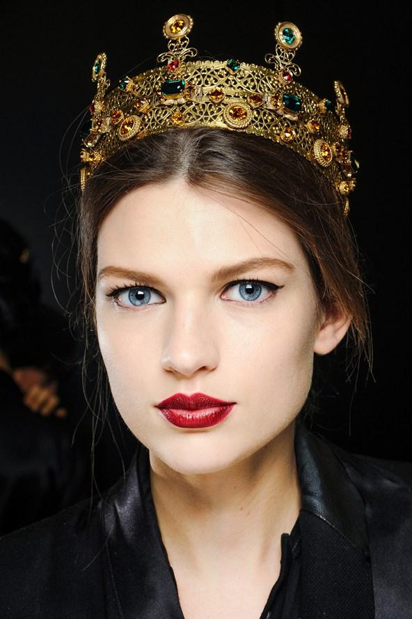 Beleza e maquiagem da Paris Fashion Week no desfile da Dolce & Gabbana