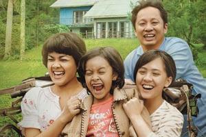 7 Rekomendasi Film Indonesia Tentang Keluarga