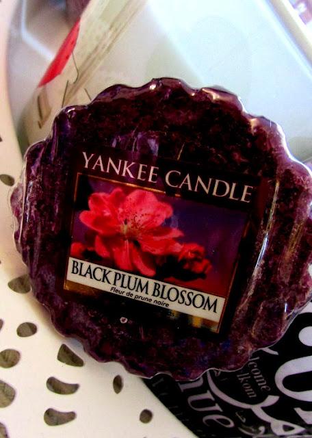 Black Plum Blossom Wosk Yankee