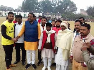 Jaunpur  खेल से चेहरे पर रौनक़ रहती है  विजय यादव